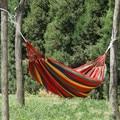 1pc ポータブルハンモック屋外ハンモックガーデンスポーツホーム旅行キャンプスイングキャンバスストライプハングベッドハンモック赤、ブルー 190 × 80 センチメートル