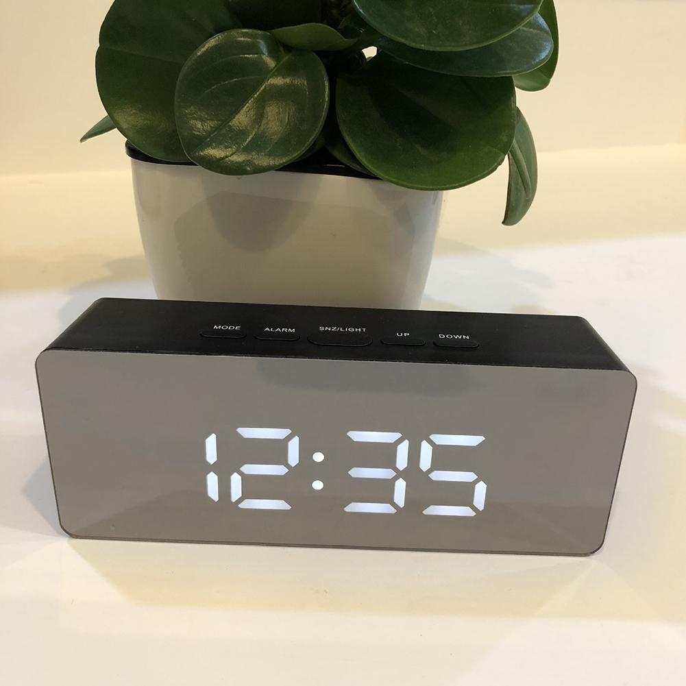 Hot Home Office Makeup Mirror Design LED Screen Time Display Mute Digital Snooze Function Alarm Clock Desk Home Decoration