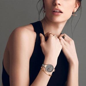 Image 2 - NAVIFORCE Women Watches Top Brand Luxury Fashion Female Quartz Wrist Watch Ladies Leather Waterproof Clock Girl Relogio Feminino