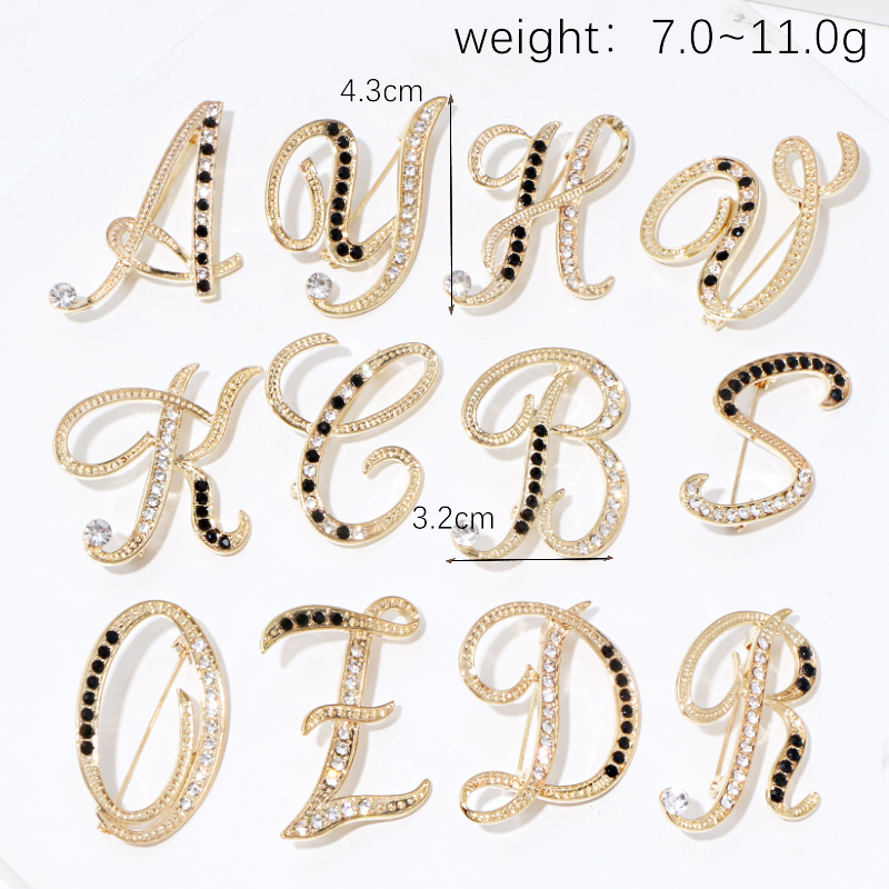 New Fashion Metal 26 Letter Brooch Personality Suit Scarf Buckle Badge Corsage Luxury Brooch for Women Accessories Jewelry 3