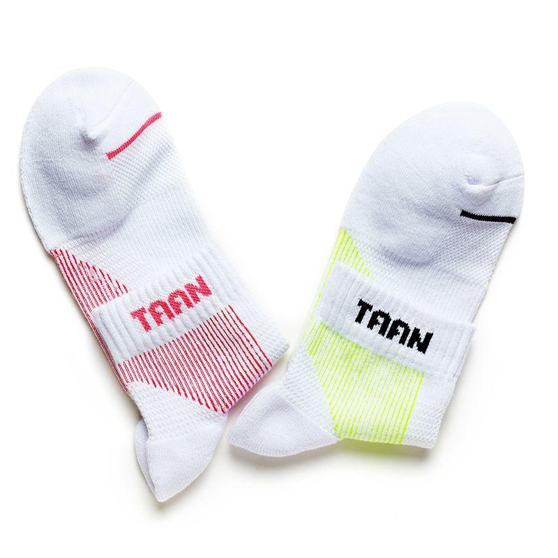 1 Pair TAAN Women Sport Socks Badminton Socks Tennis Sporting Socks T-128