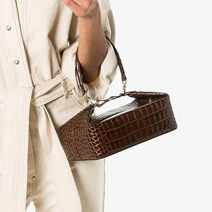 Image 1 - Burminsa 악어 인쇄 작은 여자 핸드백 세련 된 상자 디자이너 어깨 가방 숙 녀 전화 지갑 고품질 Crossbody 가방 2020