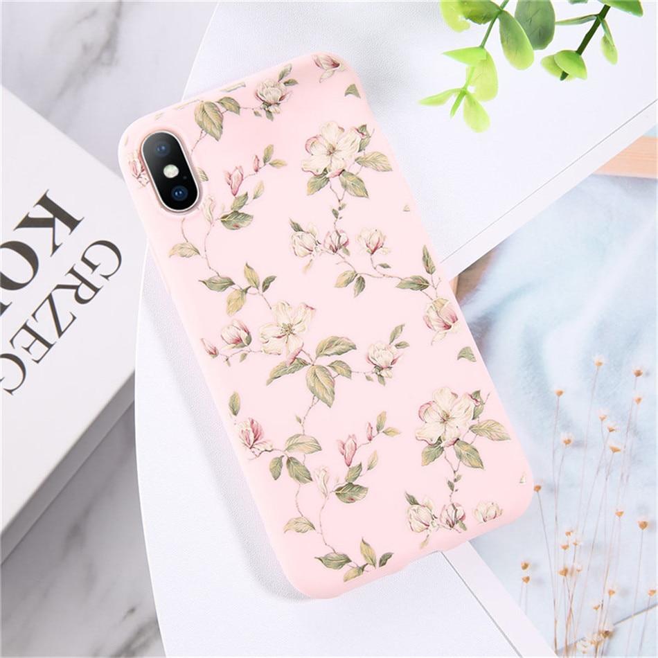 Kolor różowy z biało-różowymi kwiatami.