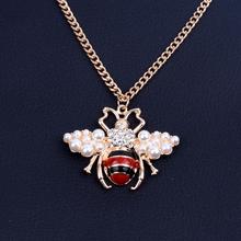 Moda kobiety pszczoła perła kryształ naszyjnik złoty biżuteria akcesoria odzieżowe łańcuch stop nie utleniający naszyjnik 2019 nowy naszyjnik tanie tanio haihanying Ze stopu cynku Wisiorek naszyjniki CN (pochodzenie) TRENDY Twisted singapur łańcuch Pearl Symulowane perłowej