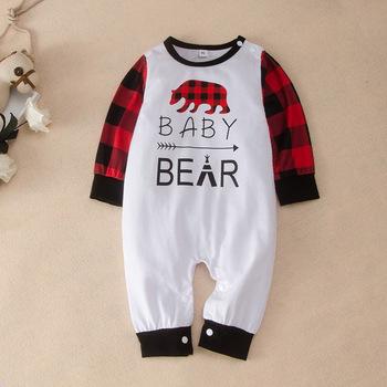 Baby Girl ubrania zimowe chusta niedźwiedź list Patchwork bawełna z długim rękawem Baby Romper fajne Baby Boy ubrania jesień kombinezon dziecięcy 0-18M tanie i dobre opinie COTTON Poliester CN (pochodzenie) Unisex W wieku 0-6m 7-12m 13-24m O-neck Swetry Pełna ZFLM089A Pasuje prawda na wymiar weź swój normalny rozmiar