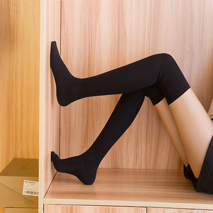 ¡Novedad de invierno! Calcetines largos de tubo a la moda para mujer, calcetines a rayas de tubo largo, hilo de lana antideslizante para el muslo, trabajo de dama sencillo, entrega gratuita