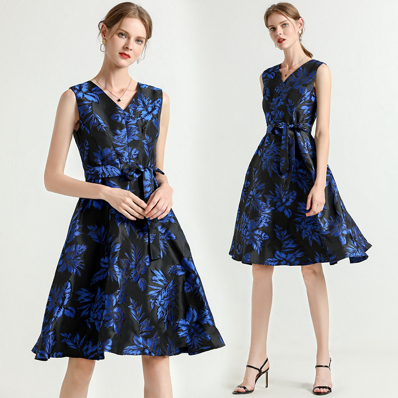 Vintage Dark Blue Midi Dress Women 39 s Sleeveless luxurious Floral Print Lace Up Blet Ladies Party Runway Jacquard Dress 2019 in Dresses from Women 39 s Clothing