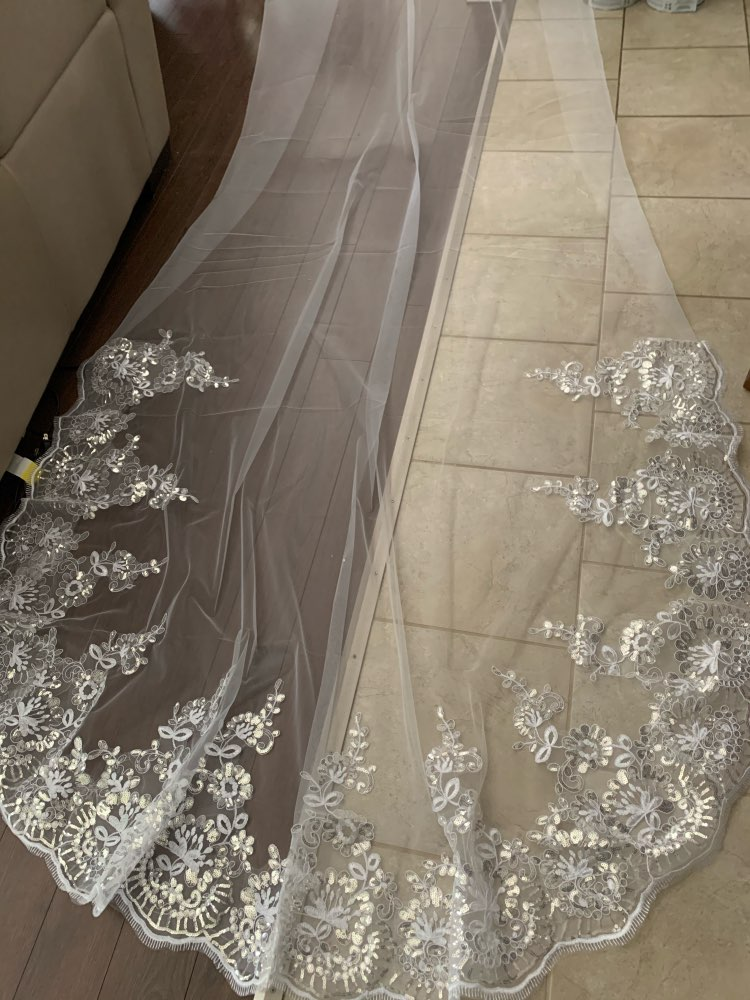 White Ivory wedding veil Cathedral Wedding Veils Long Lace Edge Bridal Veil with Comb Wedding Accessories
