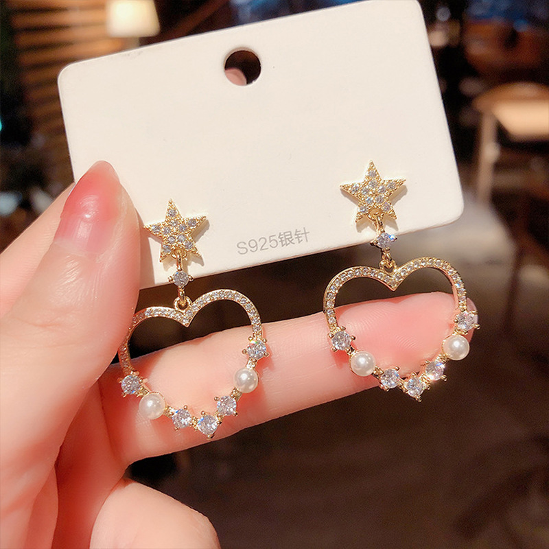 Korea Shiny Rhinestone Hollow Out Star Earrings for Women Gold Color Metal Simulated Pearl Heart Drop Earrings Party Jewelry