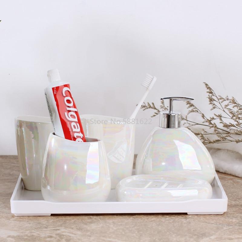 Japanese-style Simple Aurora Matte White Ceramic Bathroom Set of Five Lotion Bottle Toothbrush Holder Soap Dish Bathroom Kit