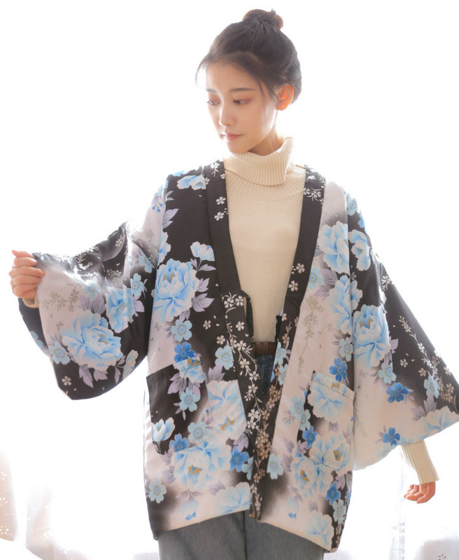 Japanese Winter Women Warm Kimono Thick Cotton-Padded Haori Coat Wadded Cotton Outterwear Floral Printed Loose Overcoat W035