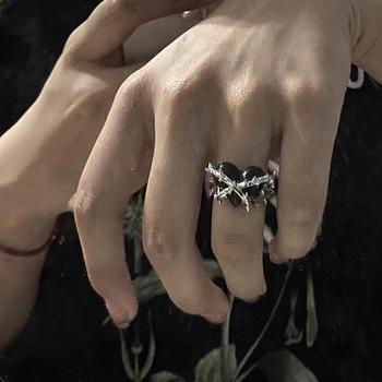 Nowość Ins Gothic nieregularne metalowe ciernie miłość pierścień z sercem Vintage Punk otwarty pierścień z sercem dla kobiet dziewczynki modna biżuteria na prezent tanie i dobre opinie NoEnName_Null CN (pochodzenie) Ze stopu cynku MIŁOŚNICY TRENDY DR1043 moda Na imprezę Pierścionki