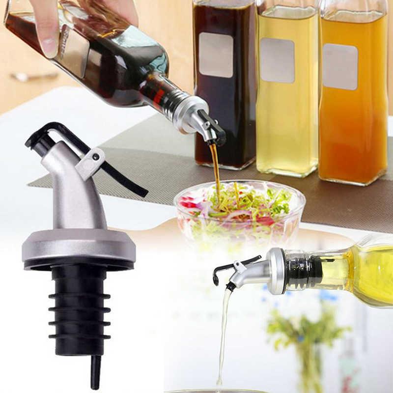 2pc garrafas de vinagre de pulverizador de óleo de oliva de borracha pode bloquear plug selo à prova de vazamento de grau alimentício plástico bico pulverizador licor dispenser