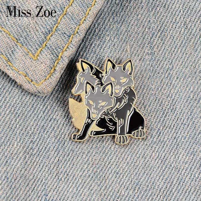 Épinglette en émail moelleux dessin animé personnalisé 3 têtes chiens broches sac vêtements épinglette Fun philosophe pierre Badge bijoux cadeau