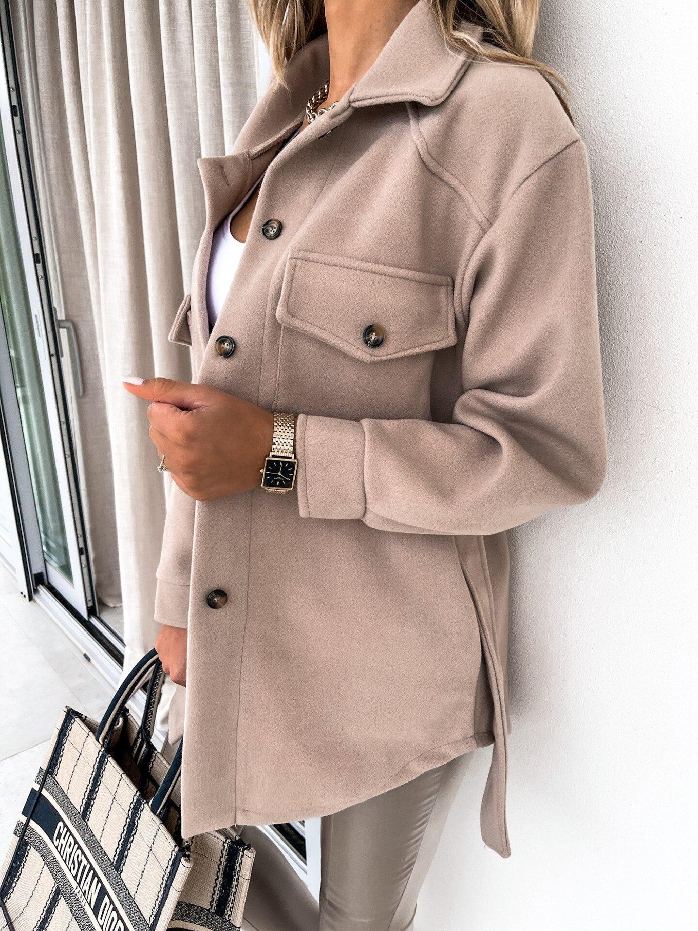 Manteau épais à revers en laine