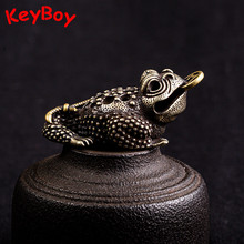 Pequeño bronce tres patas moneda sapo Lucky Feng Shui llavero con anilla colgante joyería Vintage latón anticorrosivo Bufo Keychians Hangings