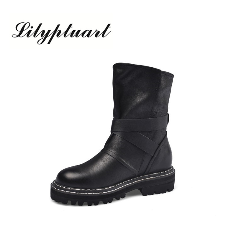2019 British style autumn and winter new round head women's Martin boots simple wild solid color large size boots women