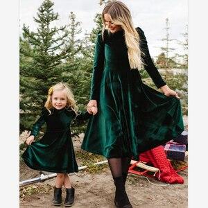 Robe d'automne pour bébé fille et mère | Vintage Parent-enfant, manches longues, col rond, en velours, robe de soirée féminine, nouvelle collection