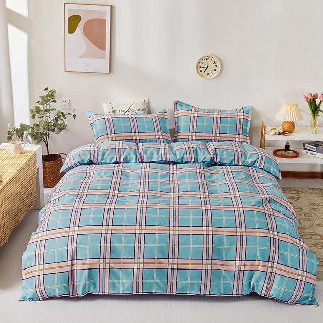 Simple Bedding Set With Attractive Blue Lattice