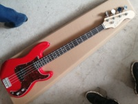 Electric bass guitar/2019 new PB bass guitar/guitar in china/more color/free shipping
