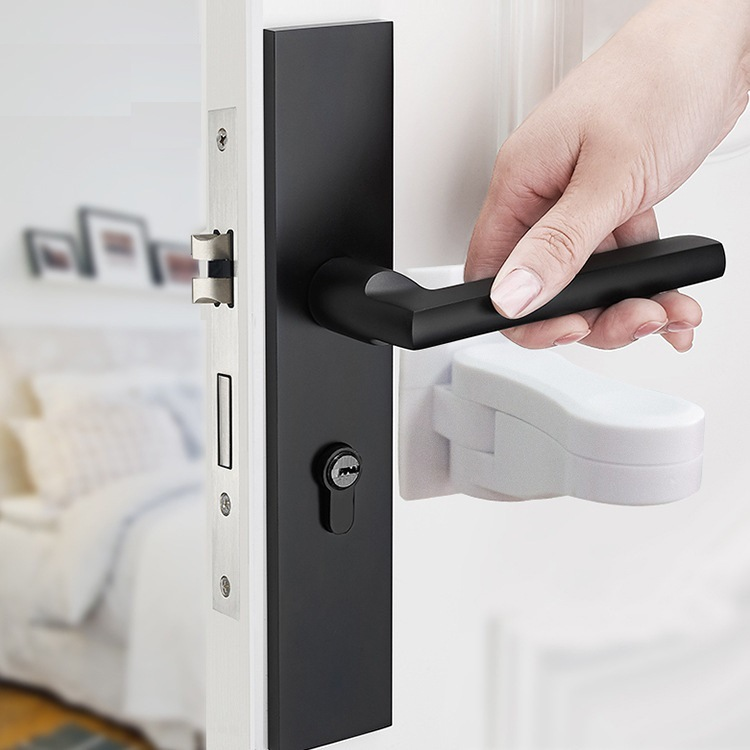 Door lever lock children's safety door handle cabinet lock child safety lock Plastic <font><b>baby</b></font> <font><b>proofing</b></font> <font><b>products</b></font> image