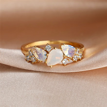 Boho Female White Crystal Moonstone Ring Cute Gold Color Wedding Rings For Women Luxury Small Oval Engagement Ring