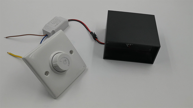 Dimmer connected to Square Light