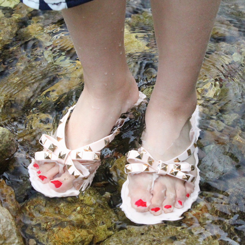 Summer Holiday Rivet Bowknot Flip Flops Girls Beach Slides Women Sandals Slip on Flat Jelly Shoes Women Studs Slippers 2019 5