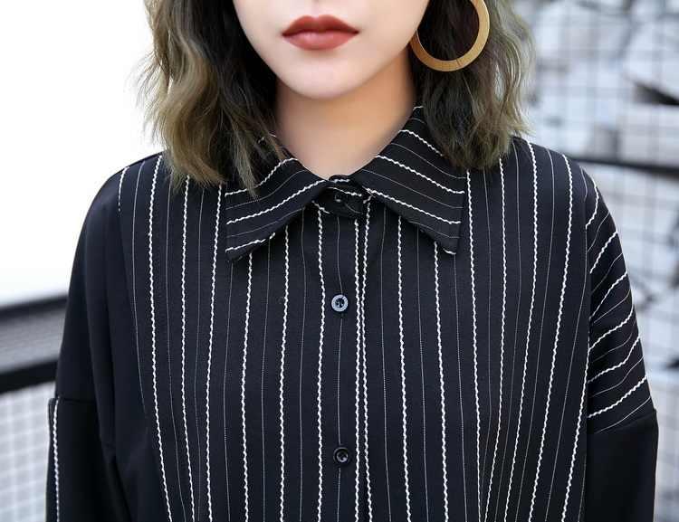 [EAM] 2019 новый осенний отворот с длинным рукавом сбоку черный полосатый сплит-соединение боты свободная длинная рубашка платье Женская мода Tide JE61