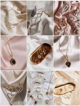 Լուսանկարչության ֆոններ արհեստական մետաքսե մերսերացված կտոր ստուդիայի լուսանկարում նատյուրմորտ նկարահանման իրեր կոսմետիկ մատանու զարդերի համար