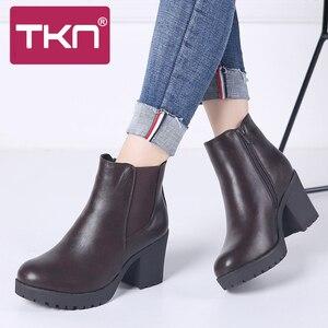 Image 1 - TKN véritable bottes femmes bottines hiver neige bottes en cuir véritable bottes pour femmes mode fermeture éclair chelsea bottes nouveauté 1902