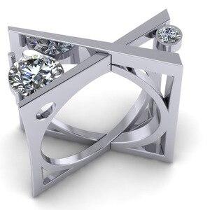 Female Simple Geometric 3D Squ
