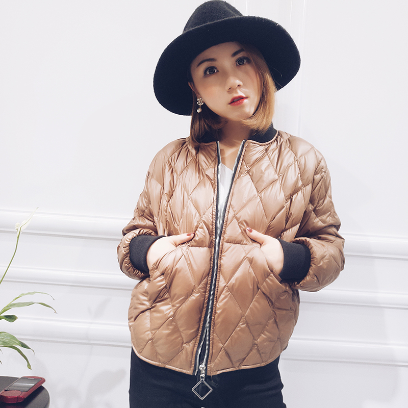 Ultra thin lightweight plaid fashion white duck   down   jackets women   down     coats   outerwear 2019 new autumn winter collection