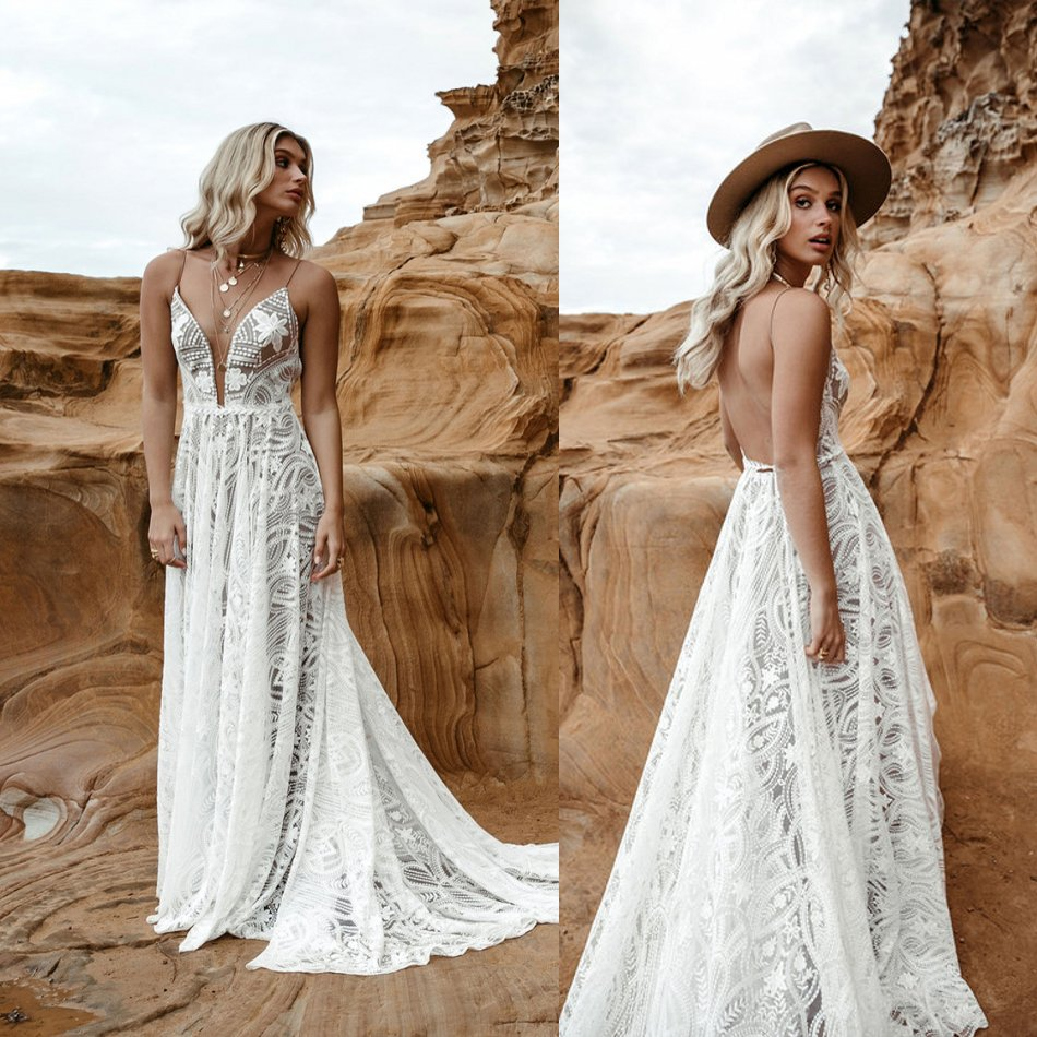 Bohemian 2020 A Line Wedding Dresses Lace Appliqued Spaghetti V Neck Lace Bridal Gown Backless Boho Wedding Dress Robes