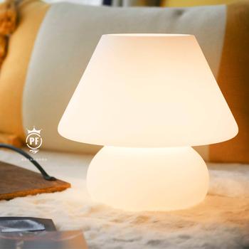 Biały stół szklana lampa lampa stołowa śliczna lampa stołowa mała lampa stołowa piękna lampa stołowa dla dzieci lampa świąteczna prezent tanie i dobre opinie NoEnName_Null CN (pochodzenie) PF-201126-1 Szkło matowe Żarówki led Lampy biurkowe
