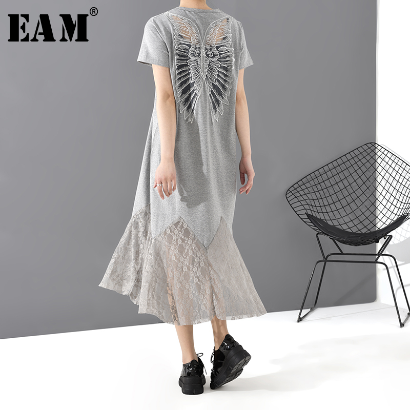 [EAM] Women Gray Hem Lace Split Temperament Midi Dress New Round Neck Short Sleeve Loose Fit Fashion Tide Spring Summer 2020