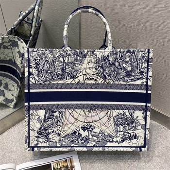 New Fashion Embroidery Book Tote for Women 2020 High Quality Famous Brand Luxury Handbags Lady Purse Canvas Shopping Bag 1
