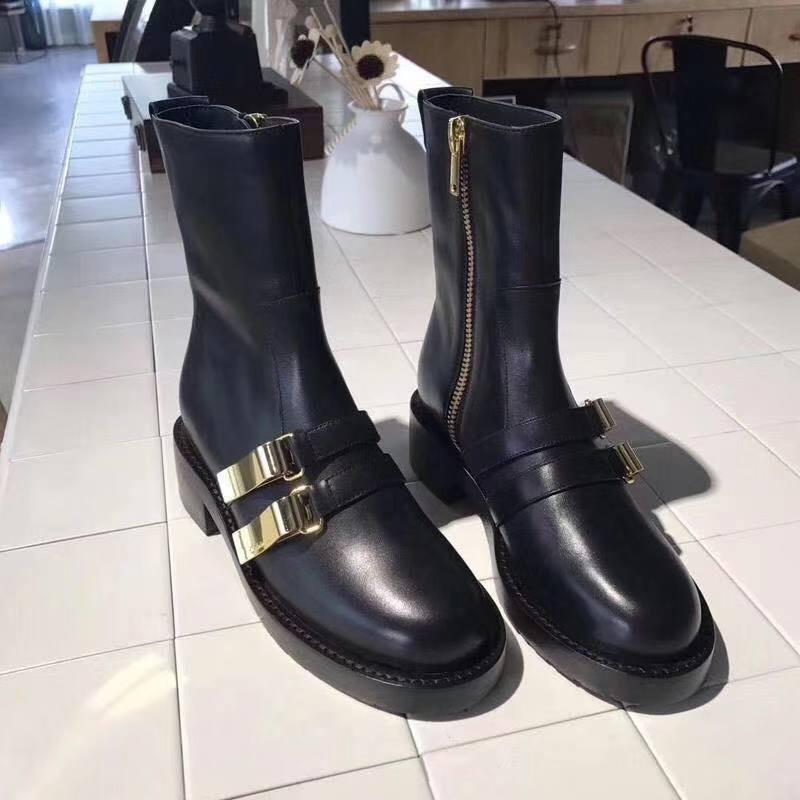 Martin Boot Girl 2019 nouvelle mode européenne et américaine fermoirs épais et en métal, bottes épaisses et beaux mi-baril.