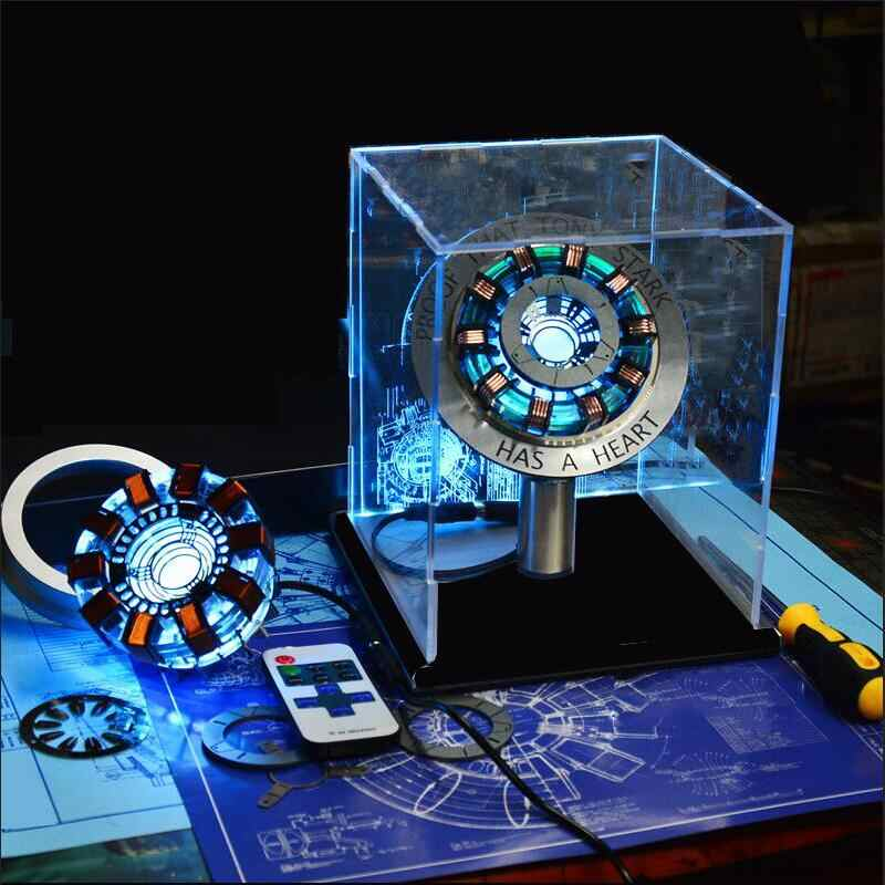 New Avengers Iron Man Arc Reactor Iron Man Cosplay Maschera Con La Luce del LED Action Figure Marvel Super Hero Giocattolo Di Compleanno regalo