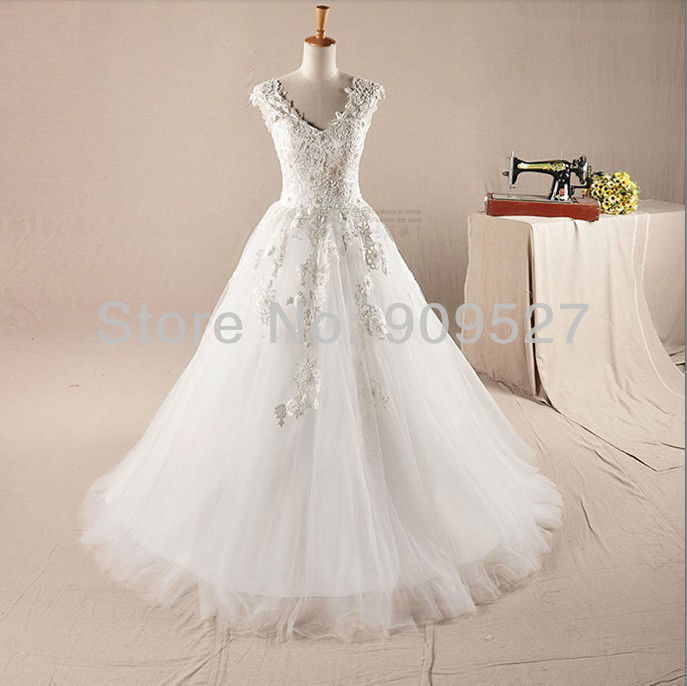 Wedding Dress Appliques Charming Custom-made V-neck Wedding Bridal Gown 2019 Free Shipping Vestido De Noiva Lace Wedding Dress