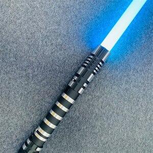 Image 2 - 16 RGB 컬러 Lightsaber USB 충전 Jedi Sith Luke 포스 라이트 세이버 사운드 메탈 핸들 칼 빛나는 장난감 어린이 선물