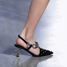 2019 new arrive the shoes leather sandals Rivet Shoes  chain heels shoes fashion shoes 6.5cm heels high shoes women shoes все цены