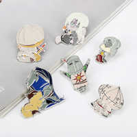 Dark Soul 3 Brooch Enamel Badge Pins Onion Knight Solaire of Astora ARTORIAS Cartoon Character Brooches Cosplay Game Jewelry