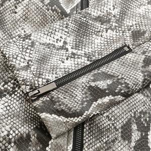 Image 4 - PU Uomini Giacca di Pelle Sexy Del Modello Del Serpente Motociclista del Rivestimento Degli Uomini di Disegno Della Chiusura Lampo Del Cuoio Del Faux Mens del Cappotto del Rivestimento
