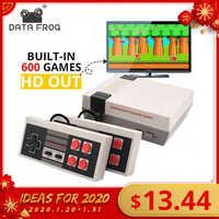 Dados sapo mini console de jogos de tv 8 bits retro console de jogos de vídeo embutido 620 jogos com controladores duplos jogador de jogos handheld