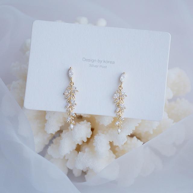 Charm 18k Real Gold Leaves Earrings for Women Exquisite Tiny Zirconia Stud Earring Elegant Korean Crystal Wedding Ringen Pendant 3