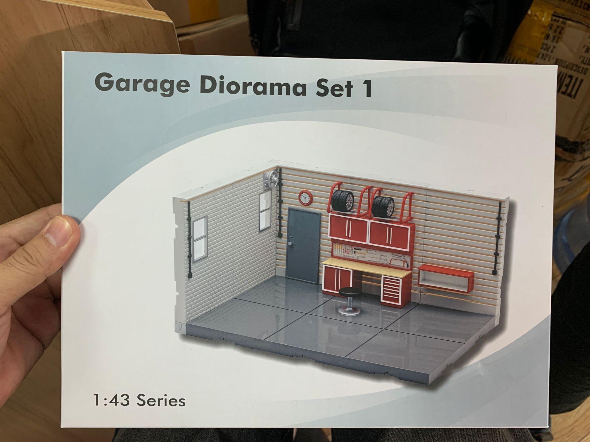 Aurora Garage Diorama Set 1 1:43 Scale Series Scene Model Blue