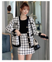 2019 winter new plaid cardigan small fragrance coat female retro Hong Kong flavor Korean version of the wild loose(China)