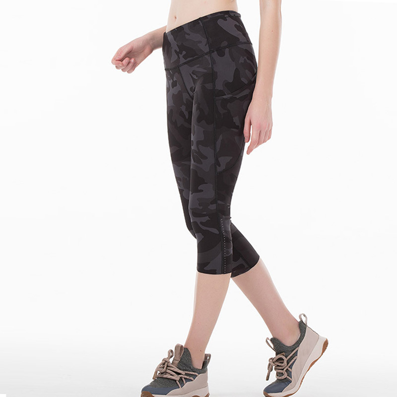 2020 Women Sports Pant With Reflective skinny pencil Pant Running Leggings Super Quality Stretch Fabric with packet capris