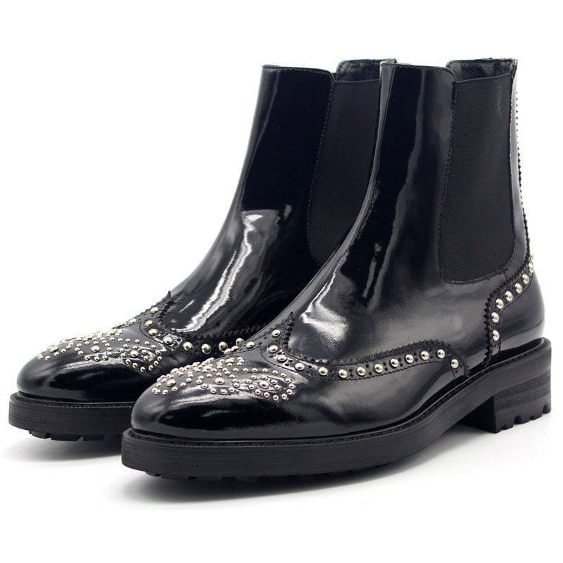 Carved Rivets Thick Bottom Ankle Boots Men Handmade New European 2020 Mens Genuine Leather Shoes Black Pointed Slip On Boots Men